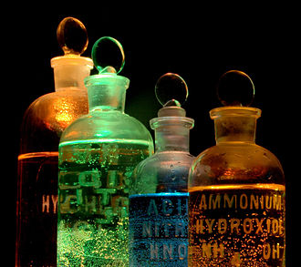 330px-chemicals_in_flasks